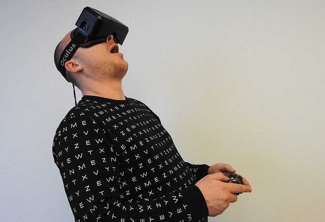 Virtual-reality gaming in perfect bite-sized portions