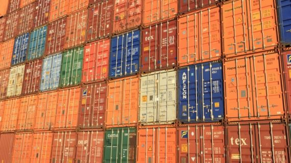 Put politics aside in trade war
