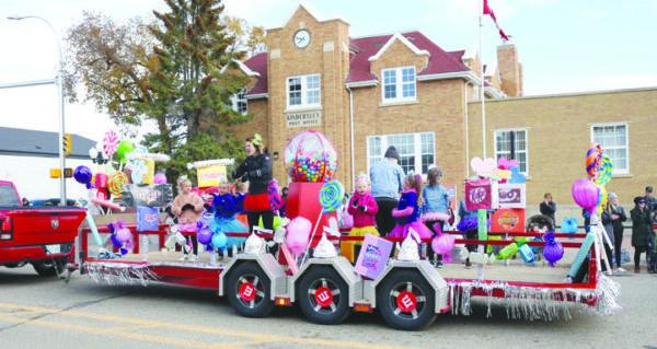 Goose Festival parade draws excellent crowd