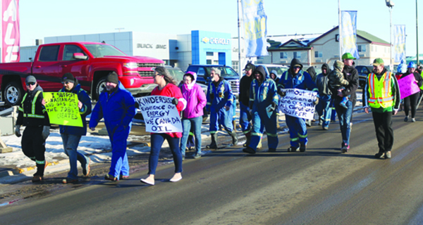 Protestors rally for oil and gas industry